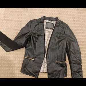Cavalini Black Faux Leather open front Blazer. Med